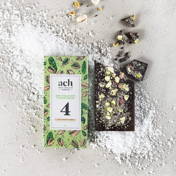 Dark chocolate with pistachios and salt