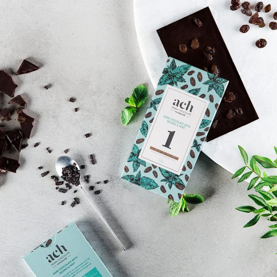 Dark chocolate with raisins and mint